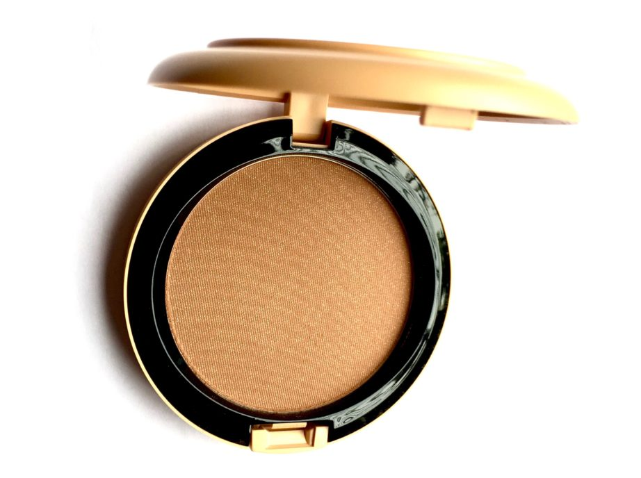 MAC Vibe Tribe Collection Bronzing Powder Refined Golden Review Swatches close up