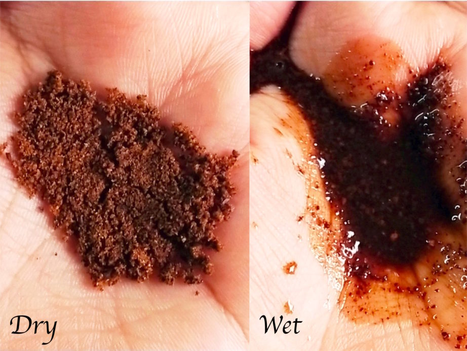 MCaffeine Naked & Raw Coffee Body Scrub Review swatches