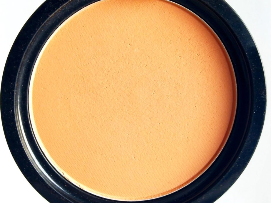 The Body Shop Matte Clay Powder Review, Swatches focus