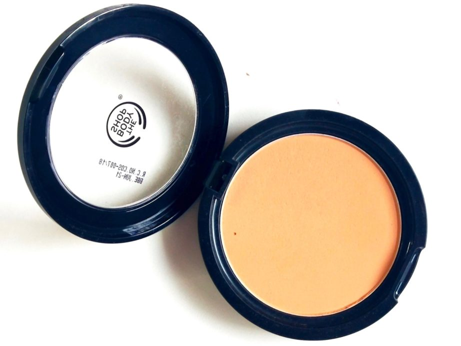 The Body Shop Matte Clay Powder Review, Swatches open